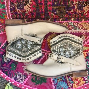 Lysandra ankle boots